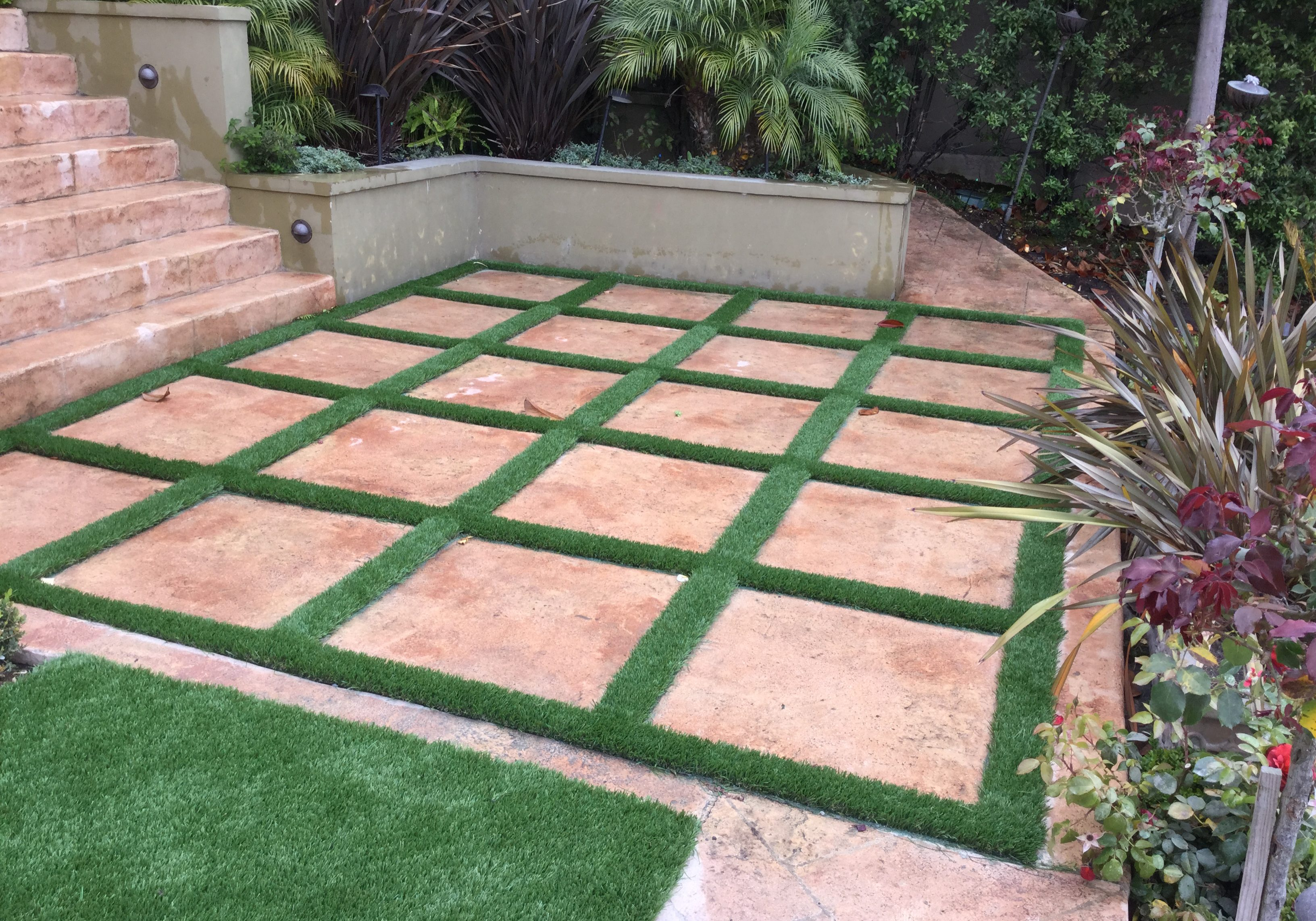 Synthetic Turf with Flagston